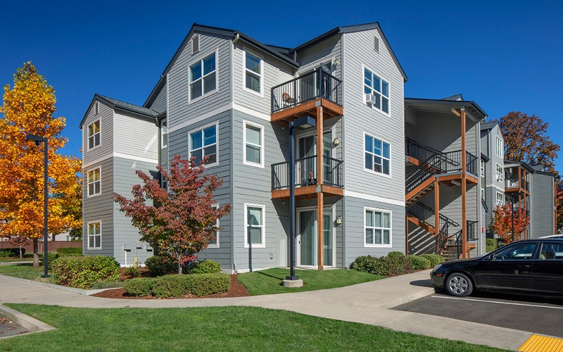 Jory Trail Apartment exteriors with parking
